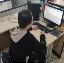 信息科加班完成三乙收费标准切换准备工作