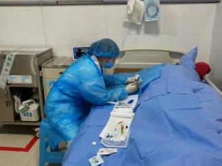 新技术/肿瘤科成功开展我院首例超声引导下PICC置入术